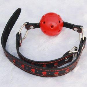 Кляп-шар black-red с сердечками