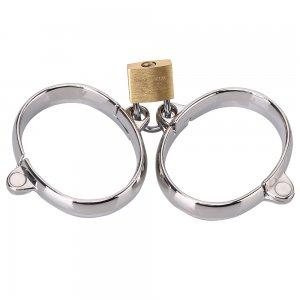 Металлические наручники на замочке