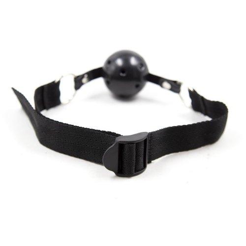 Черный кляп-шар с нейлоновым ремешком